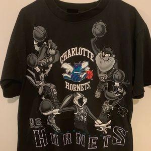 Vintage 90's Charlotte Hornets Looney Tunes shirt